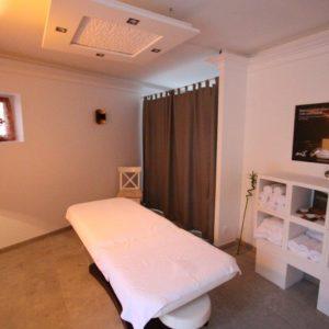 Massage complet du corps aux effets relaxants et dynamisants.