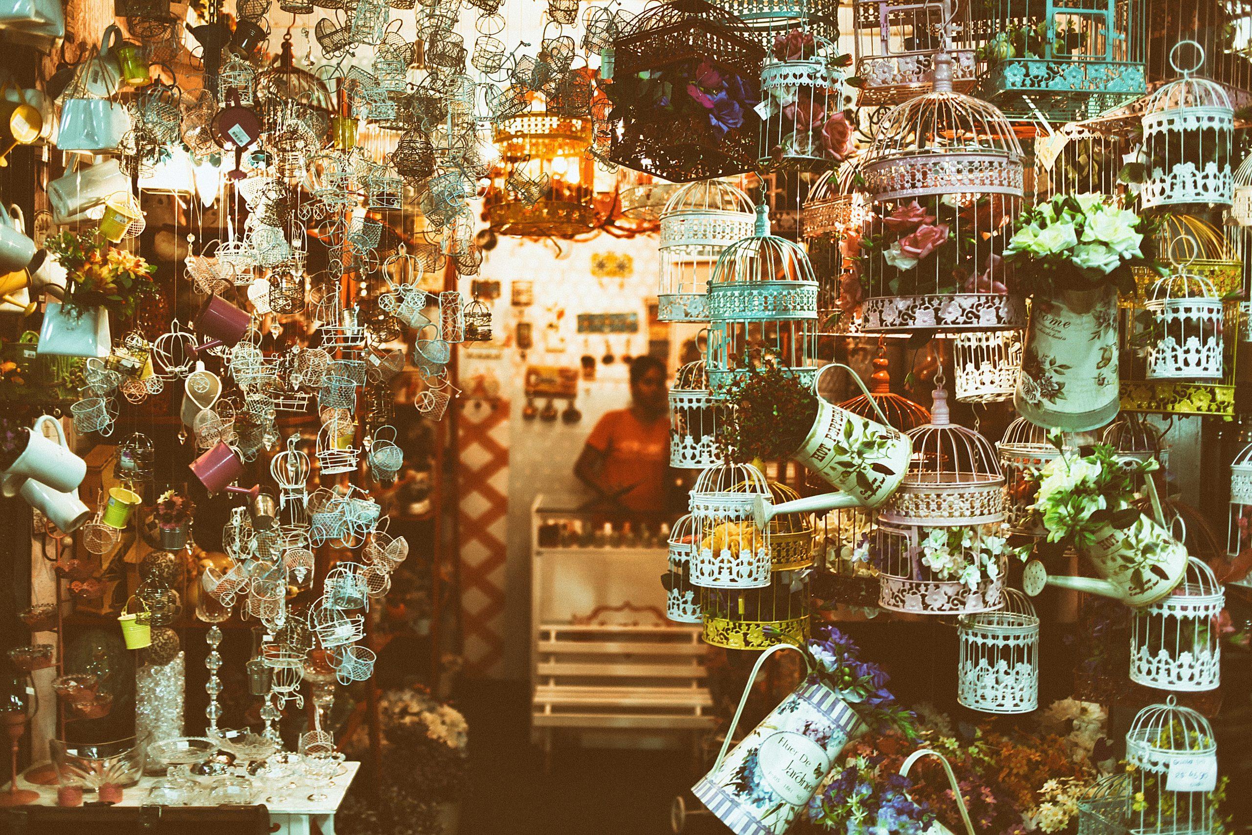 Boutique cadeaux, bijoux créatifs